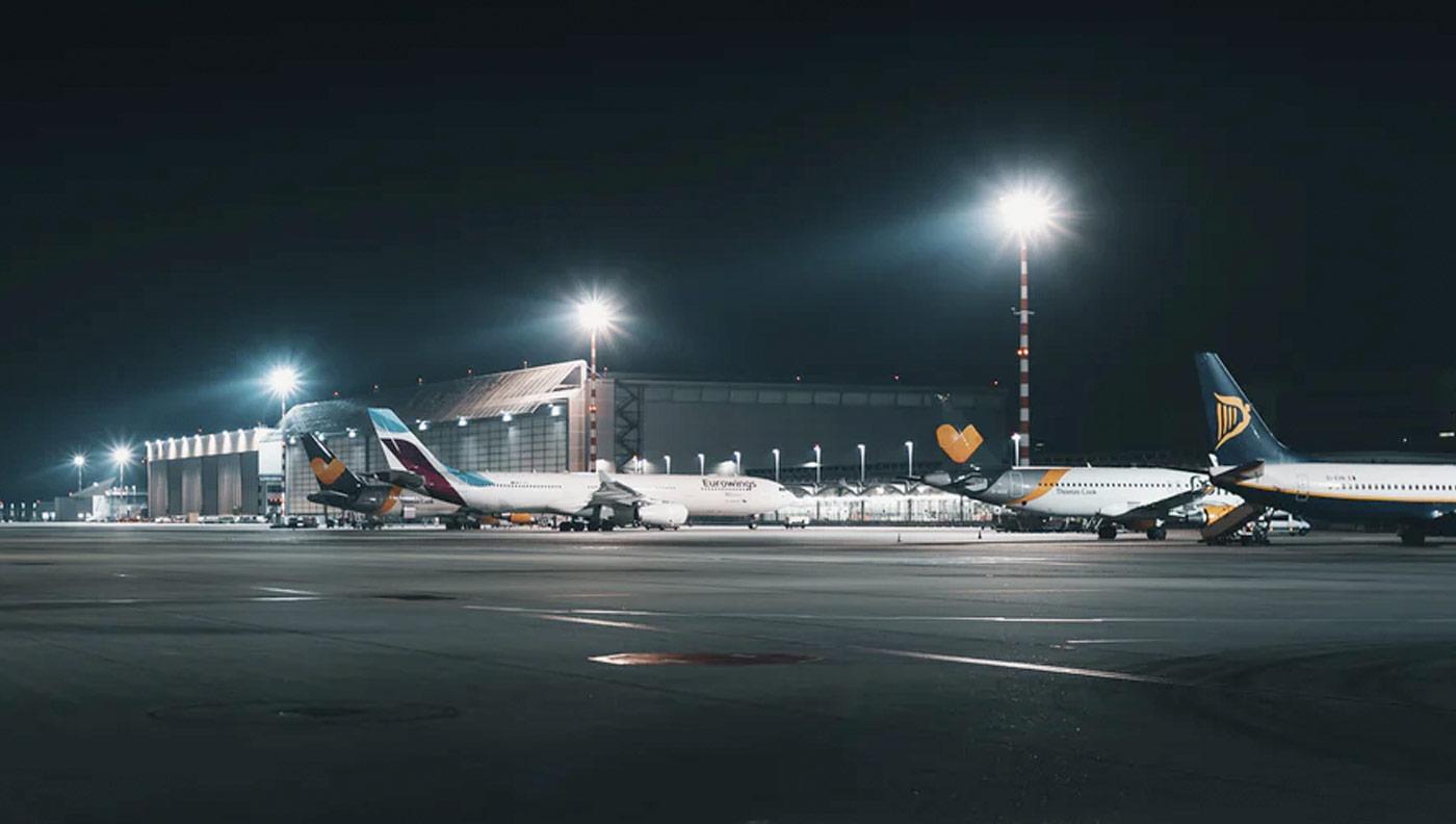 Photo avions ryanair à l'aéroport